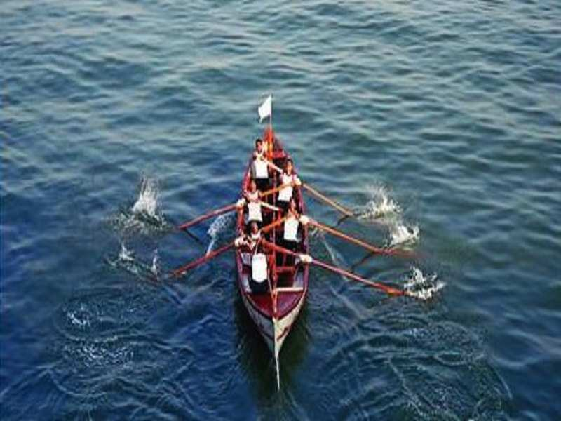 Kochi: Southern Naval Command conducts boat pulling regatta | Kochi News -  Times of India