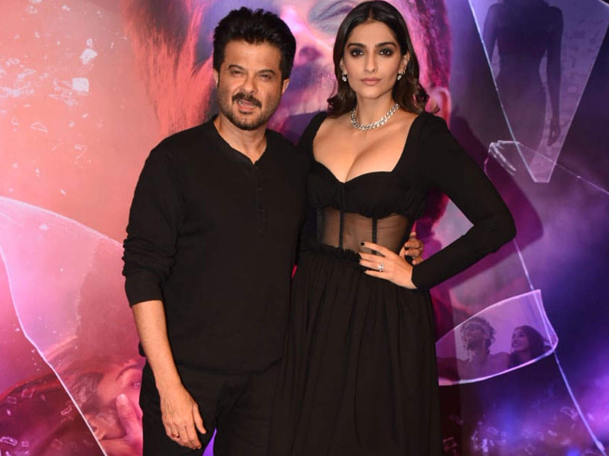 Trolls Shaming Sonam Kapoor For Her Malang Premier Outfit Must Be Shamed Hindi Movie News Times Of India