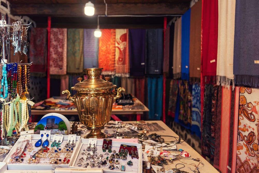 Enroute Silk Road