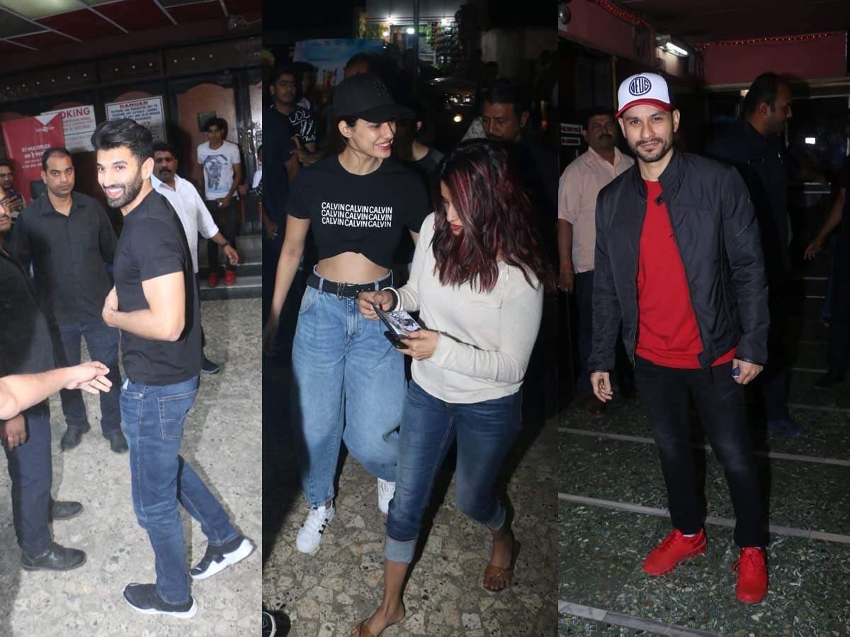 Photos Malang Cast Aditya Roy Kapur Disha Patani And Kunal Kemmu Visit A Theatre In Mumbai Hindi Movie News Times Of India