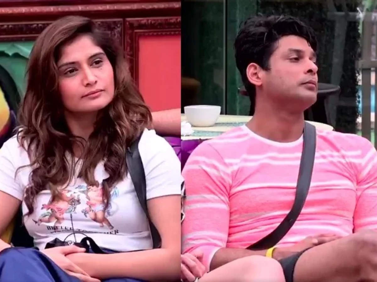 Bigg Boss 13: Sidharth Shukla and Arti Singh have an ugly fight; former  asks her to f*** off - Times of India