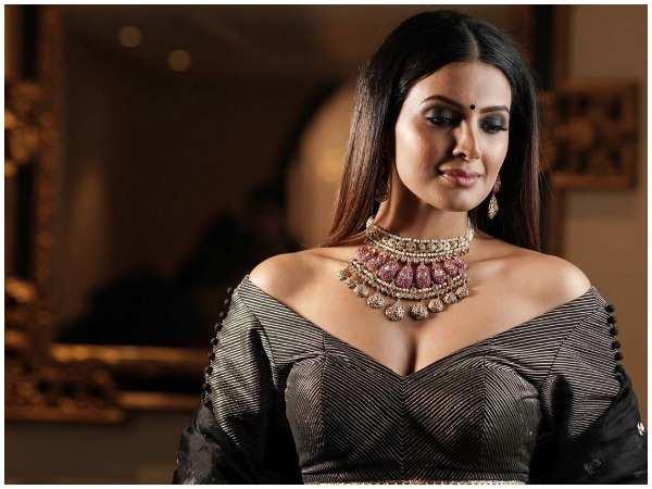 Geeta Basra pursues her writing dreams    Hindi Movie News - Times of India