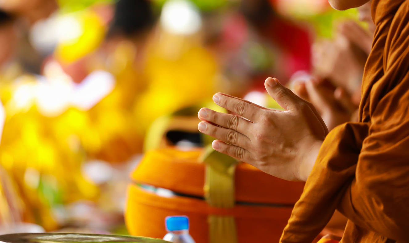 This Buddhist Temple in Bangkok crushes plastic bottles and gives out blessings