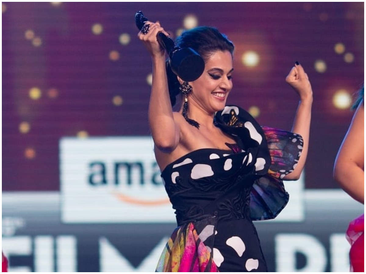 Taapsee's epic reply is winning the Internet