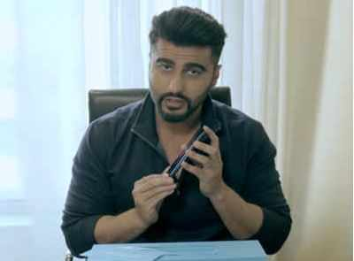 After Parineeti, Arjun Kapoor goes on the #MegaMonster trail with the 64MP Quad Camera Samsung Galaxy M31