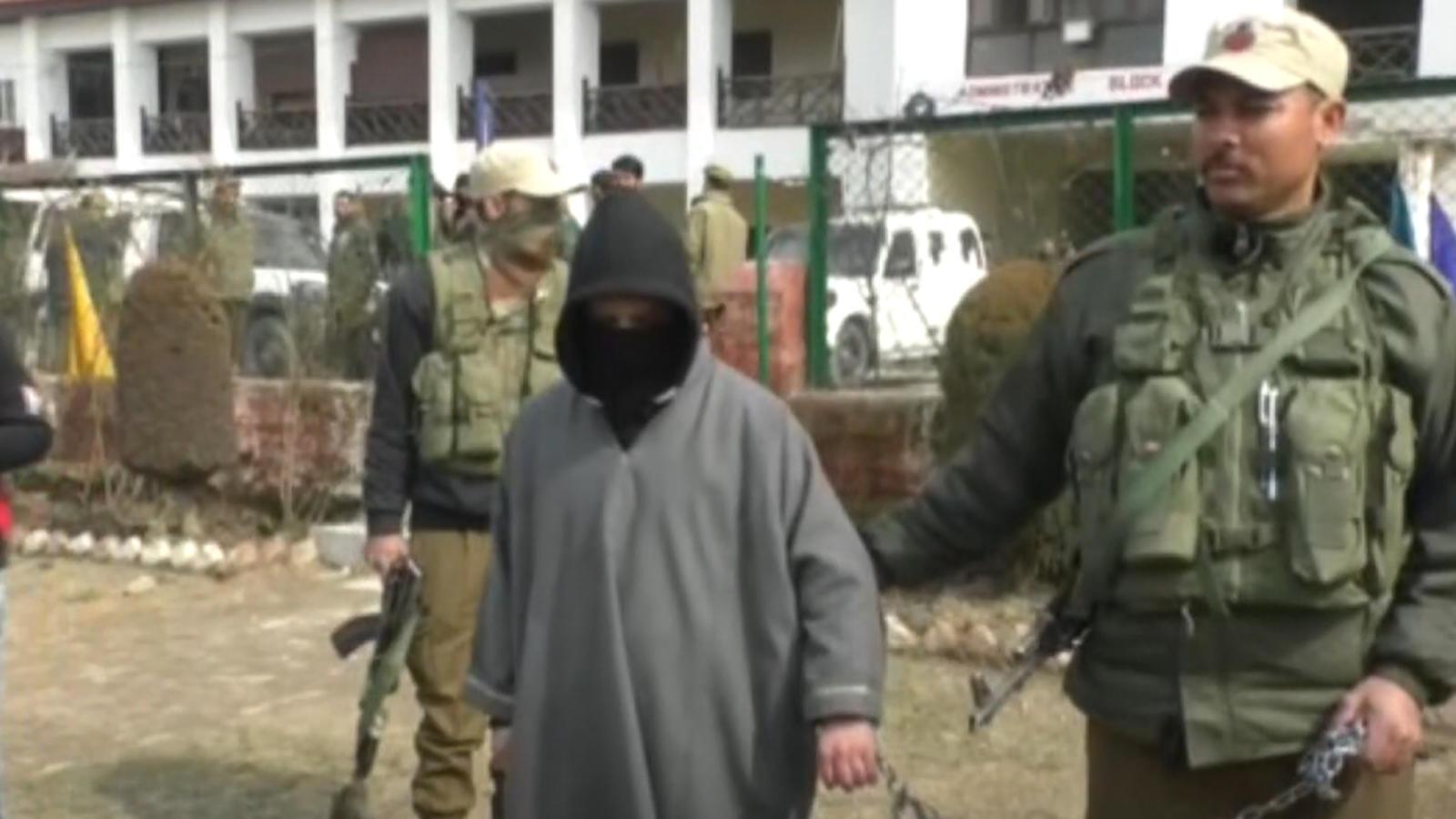 hizbul-mujahideen-terrorist-arrested-in-jks-baramulla