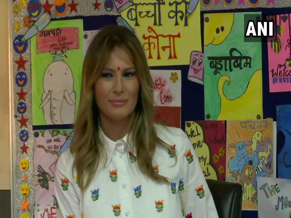 Melania Trump Visit Schools Delhi Govt School Students In Colourful Clothes Wait To Greet Melania Trump Delhi News Times Of India