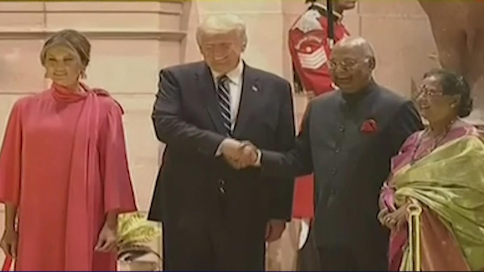 namaste-trump-us-president-first-lady-at-rashtrapati-bhavan-for-state-banquet