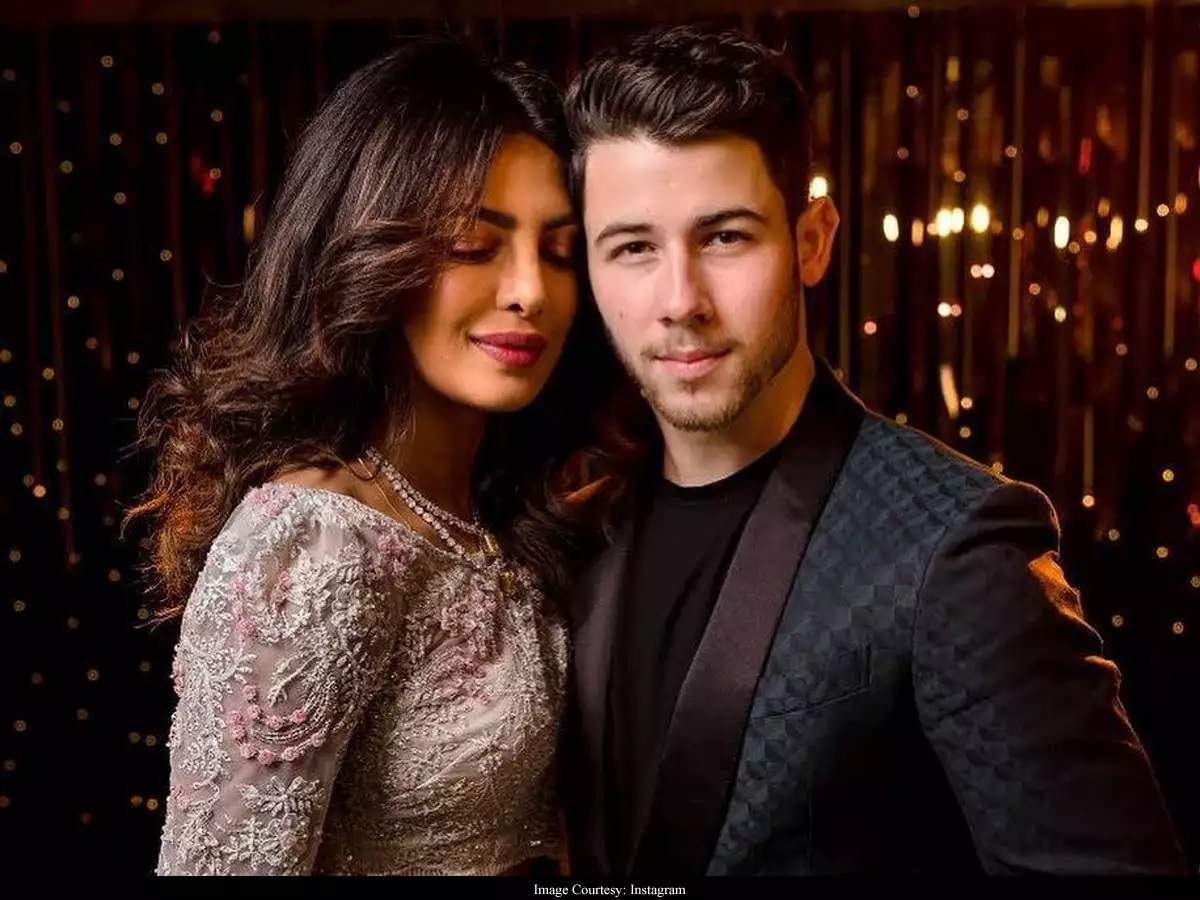 Nick Jonas Opens Up On His Age Difference With Wife Priyanka Chopra Jonas Says My Wife S 37 It S Cool Times Of India Ibharat News