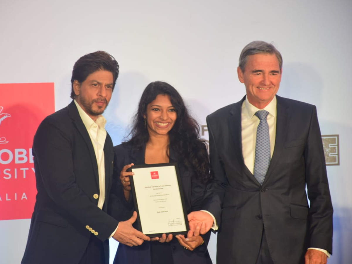 Photos: King Khan honours Shah Rukh Khan La Trobe University PhD Scholarship winner thumbnail