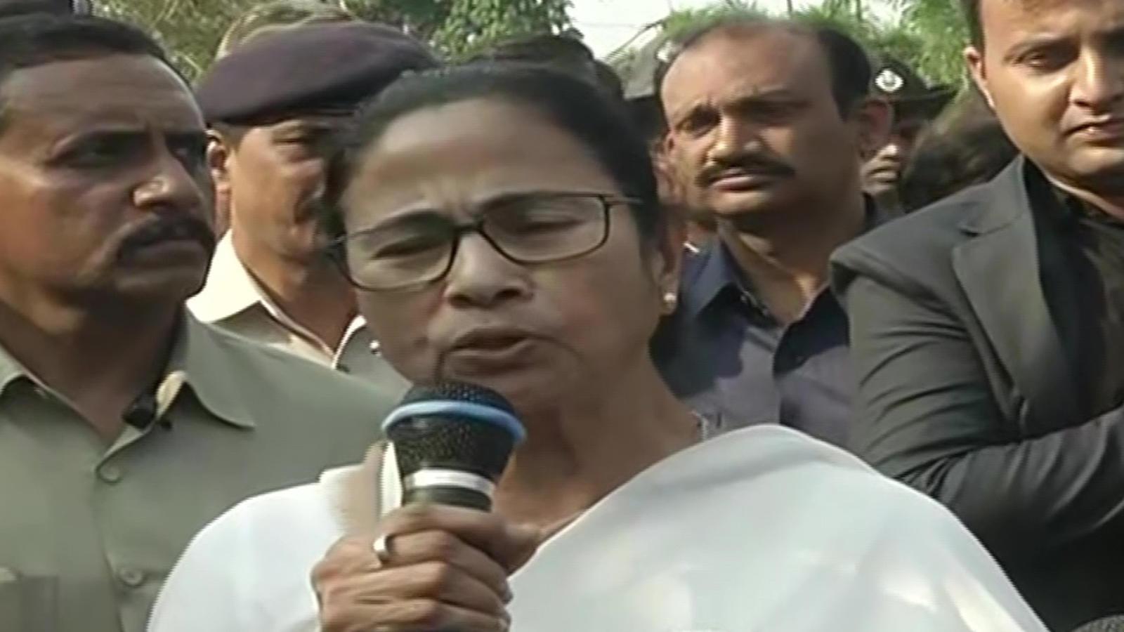mamata-meets-amit-shah-raises-delhi-violence-issue