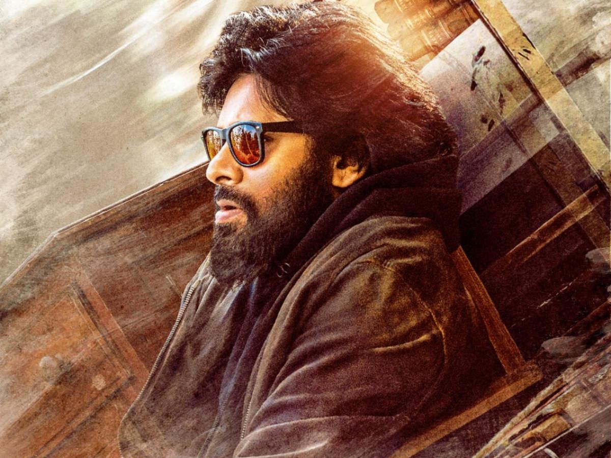 Vakeel Saab: Nithiin, Sai Dharam Tej and others laud Pawan Kalyan's first  look | Telugu Movie News - Times of India