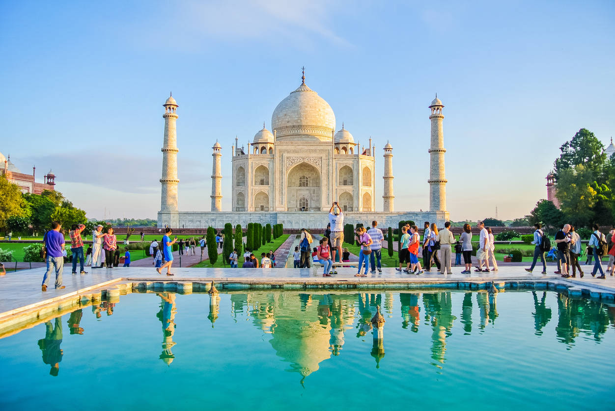 Agra: Screening 30k people at Taj Mahal for Coronavirus not possible, says ASI