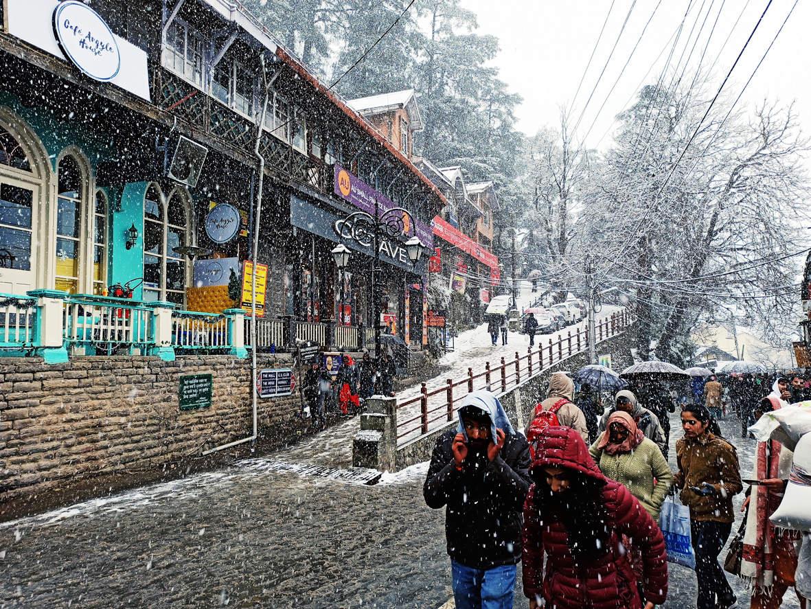 Met department issues warning for heavy snowfall and rain in Himachal Pradesh