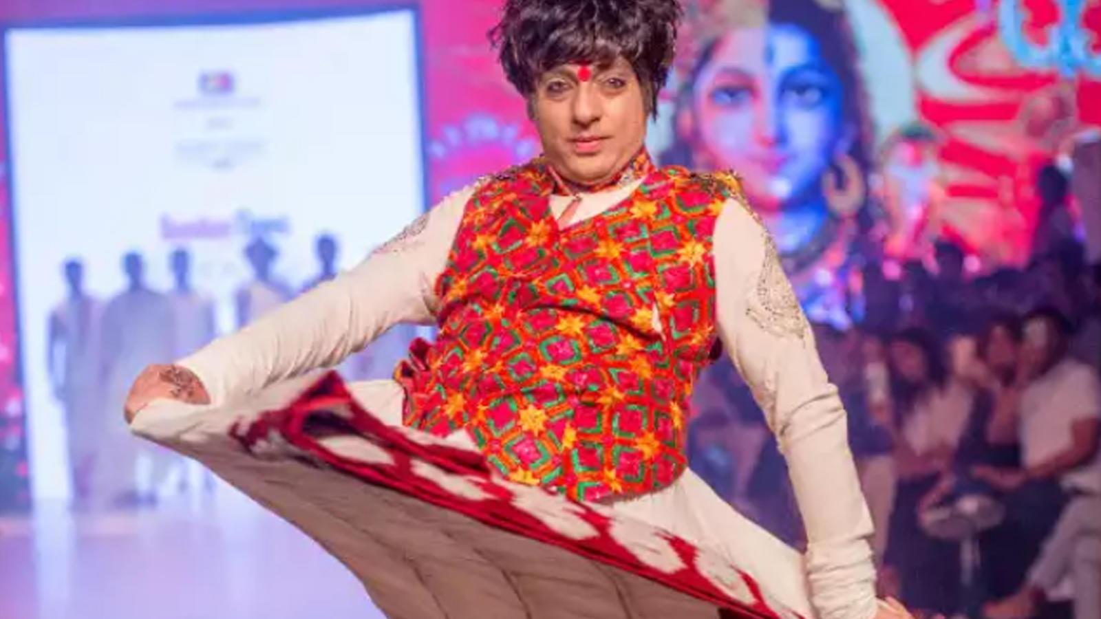 Designer Rohit Verma S Sindoor Khela Showcase The Women Power On Ramp Events Movie News Times Of India