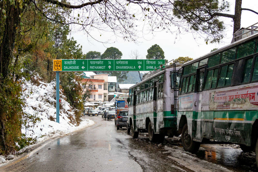 Himachal Pradesh bans entry of non-sanitised vehicles from other states