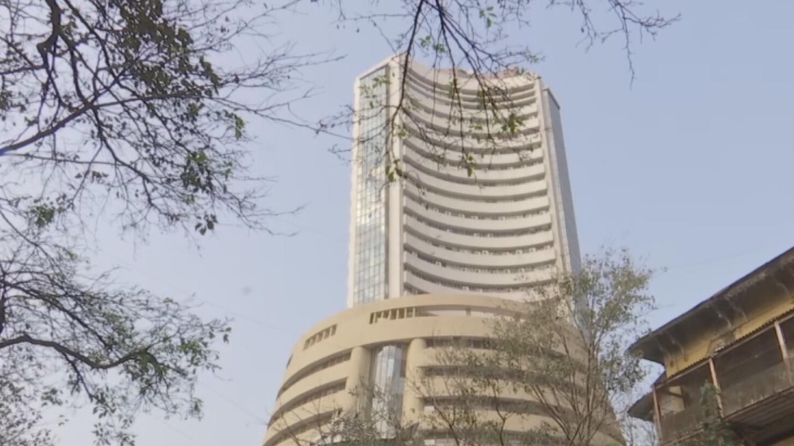 equity-parameters-volatile-in-early-trade-nifty-bank-down-by-2-7-pc