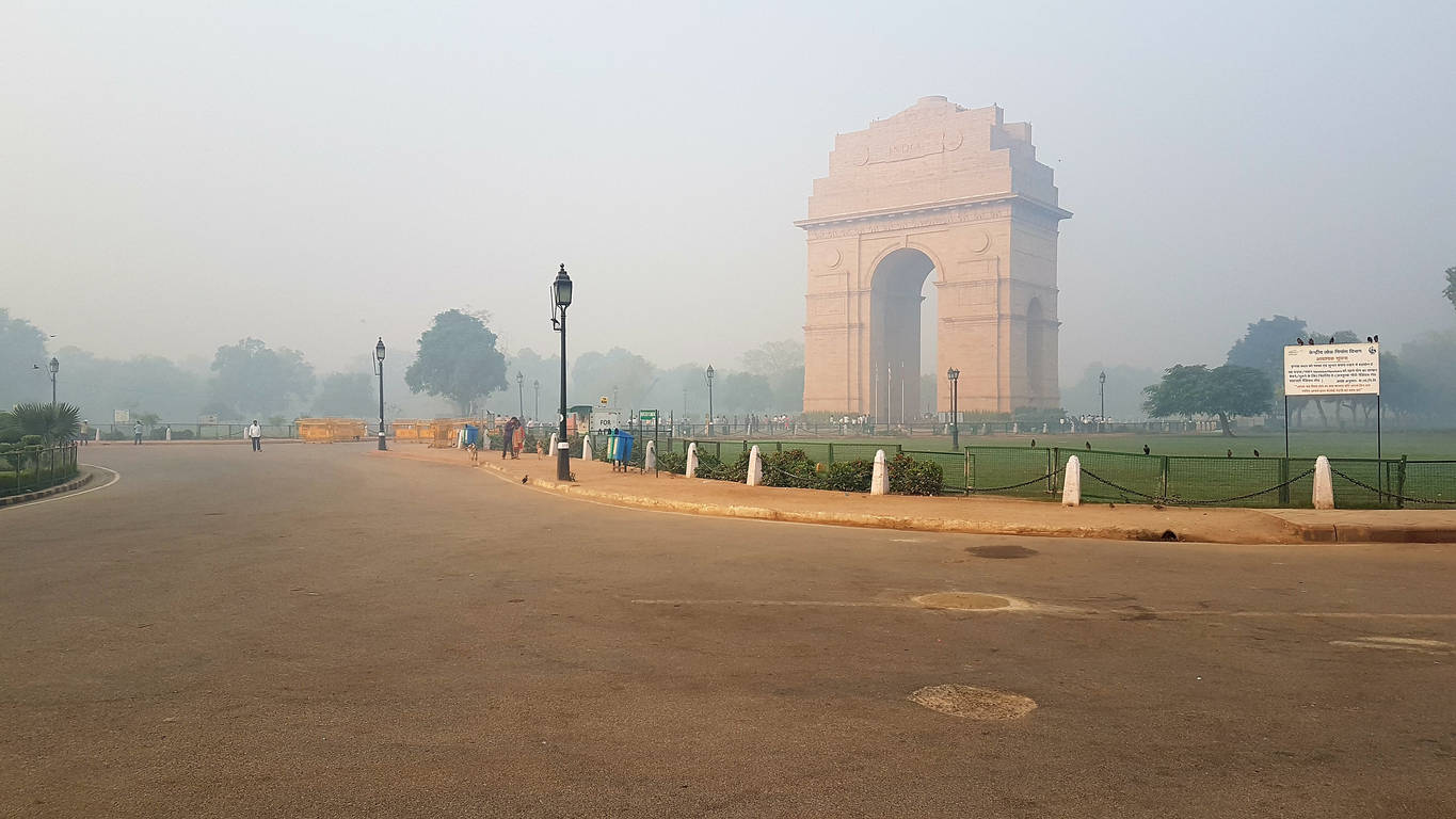 Delhi borders sealed to contain COVID-19; curfew passes must to enter the capital
