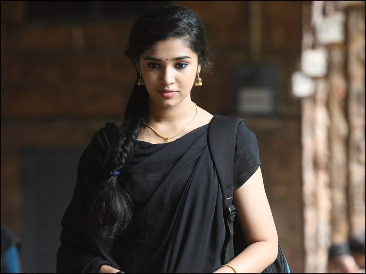 Uppena' fame Krithi Shetty to romance Vishwak Sen in 'Paagal'? | Telugu Movie News - Times of India