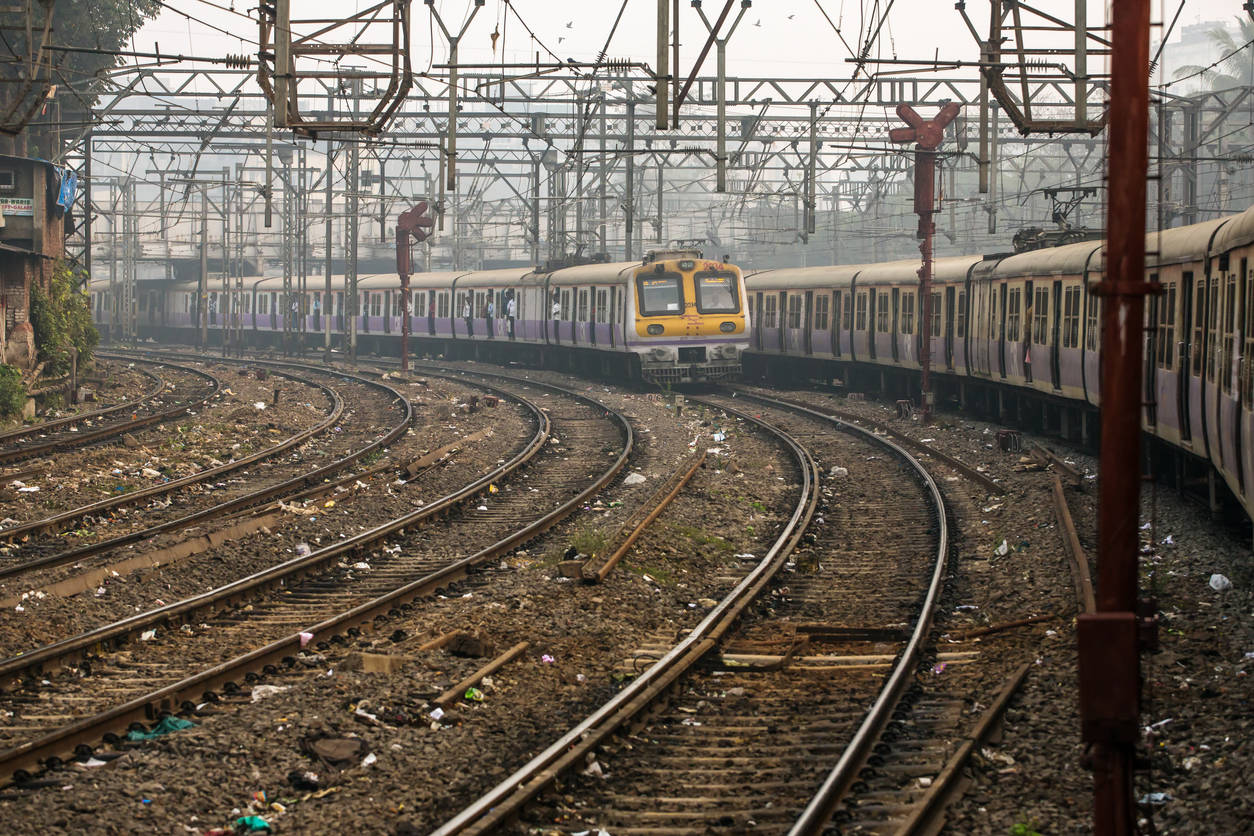Mumbai local trains to remain suspended till April 14 to contain COVID-19