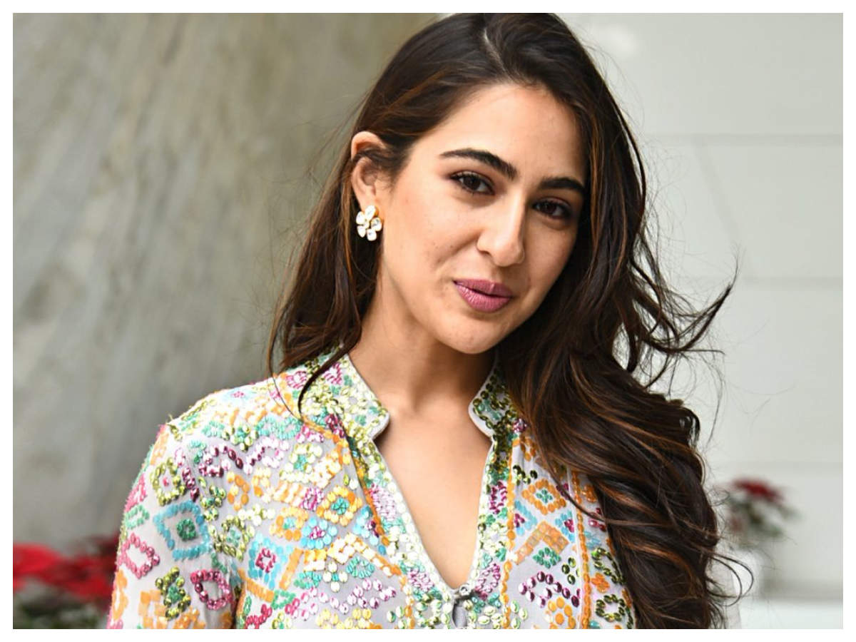 Watch: THIS video of Sara Ali Khan showing off her classical dance moves will drive away your lockdown woes | Hindi Movie News - Times of India