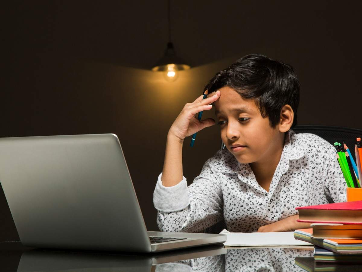 Tips for parents to help their children navigate online learning ...