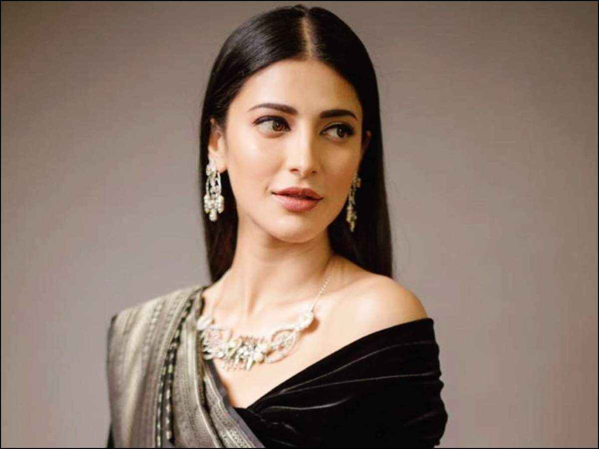 Shruti Hassan releases make up tutorial | Tamil Movie News - Times of India