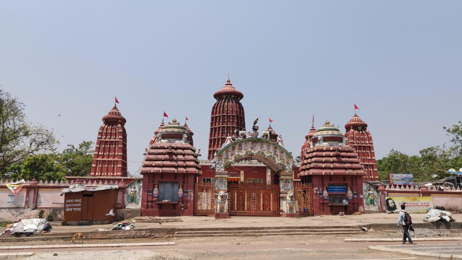 covid-19-lockdown-ram-temple-in-bhubaneswar-wears-a-deserted-look-on-ram-navami