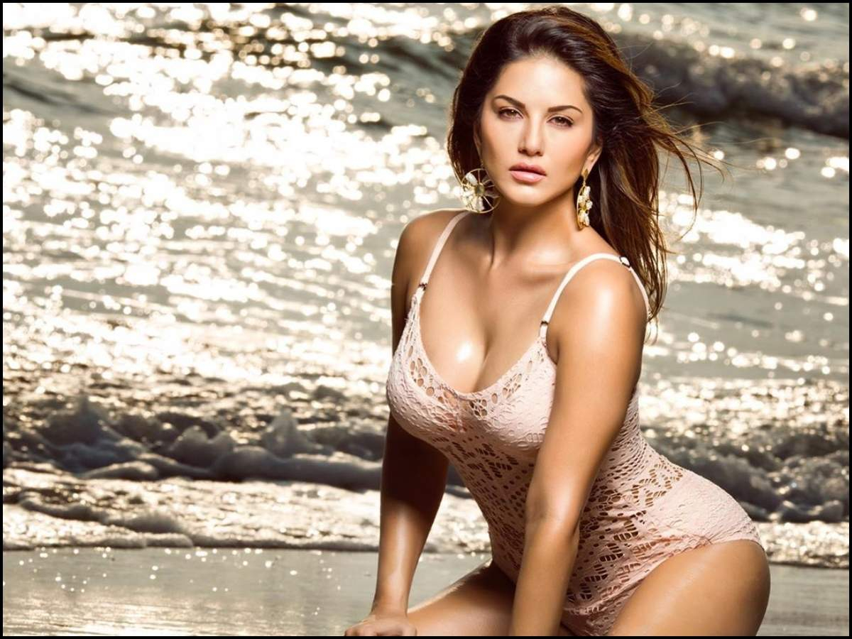 Sunny Leone is turning up the heat in cyberspace with her latest ...