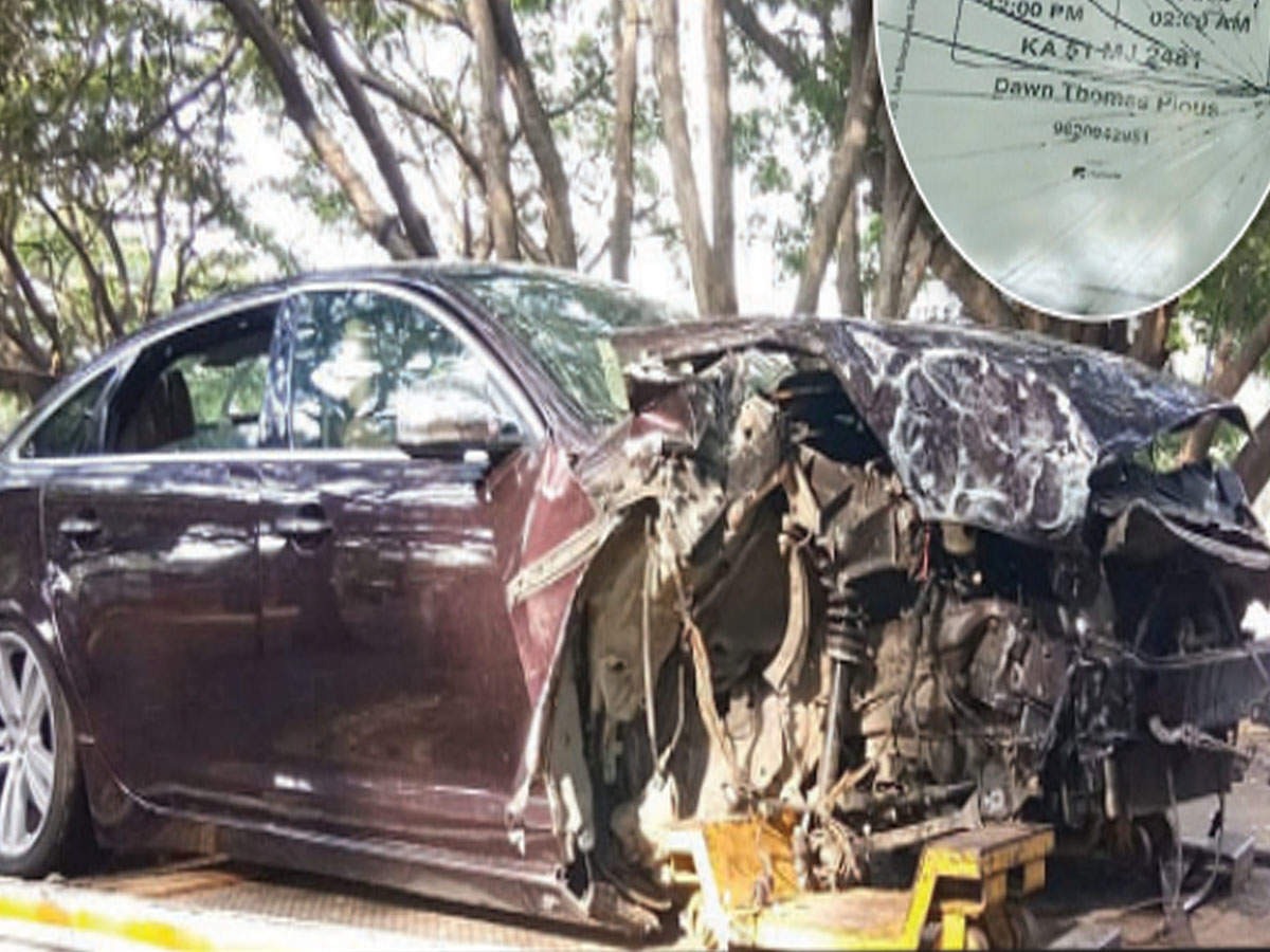 Sharmiela Mandre Accident: 2, including actor, hurt as Jaguar rams ...
