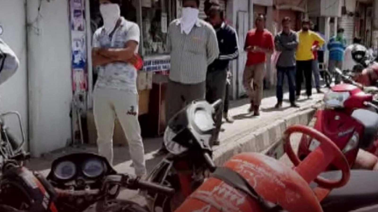underprivileged-get-free-gas-cylinders-under-pm-ujjwala-yojana-in-jks-kathua