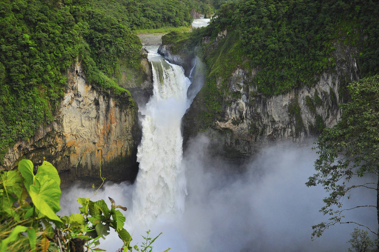 The largest waterfall in Ecuador disappears