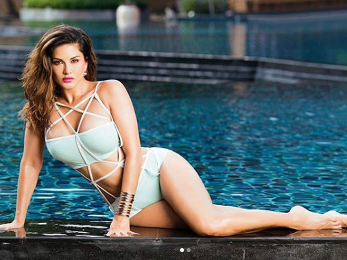 Sunny Leone Hot & Sexy Photos: Sunny Leone's stunning pictures ...