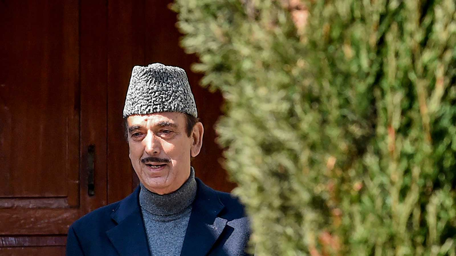 congress-leader-ghulam-nabi-azad-backs-pm-narendra-modi-govt-and-calls-the-covid-19-action-timely