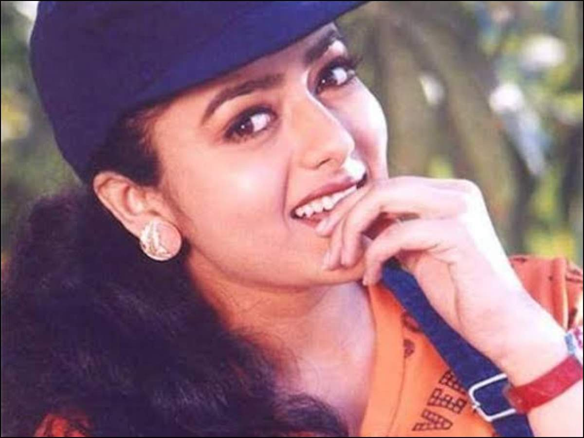Soundarya Death Anniversary: 5 Beautiful Songs of the Charismatic South Actress   Telugu Movie News - Times of India