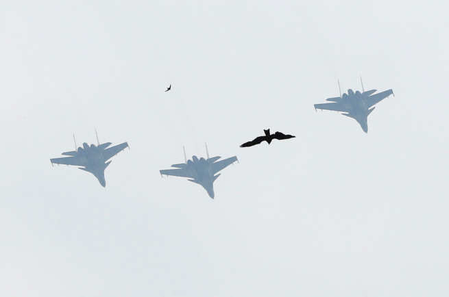 Indian armed forces conduct flypasts across India to honour Covid ...