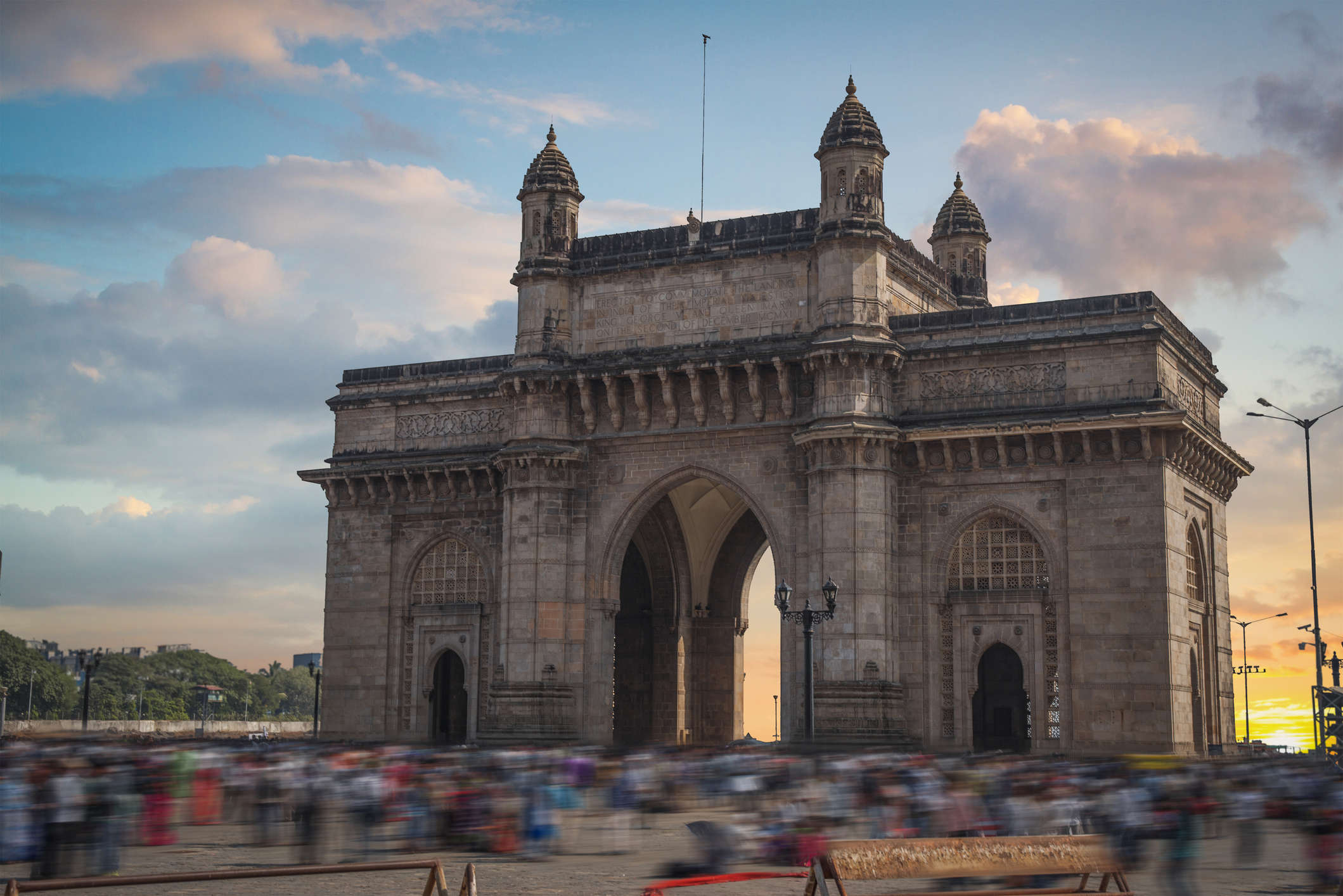 India through the eyes of foreign novelists