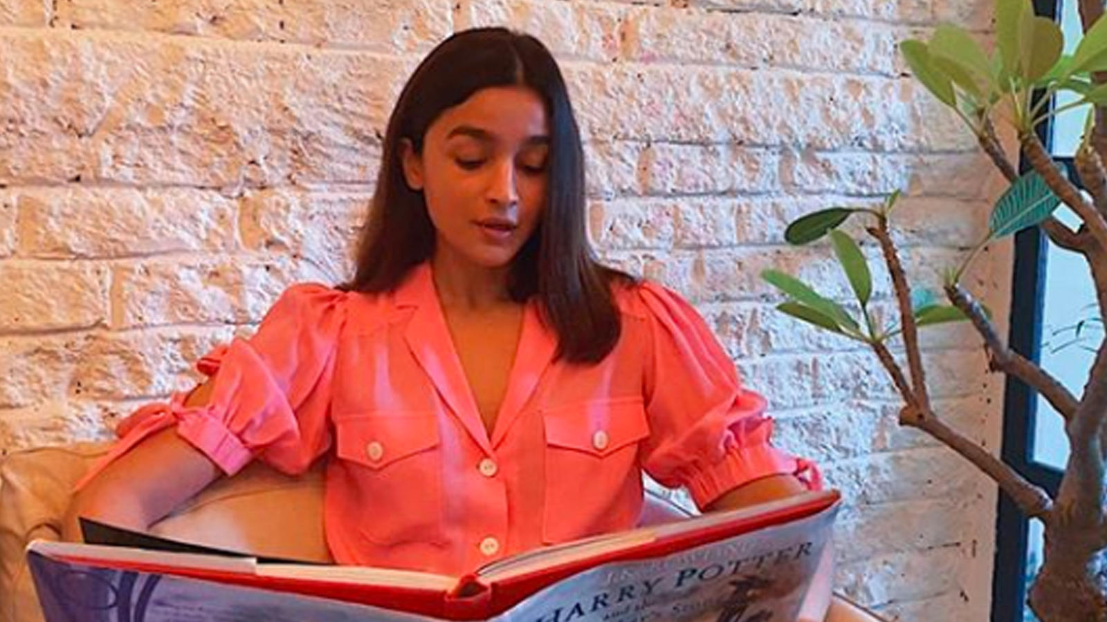 lockdown-diaries-alia-bhatt-spends-her-time-reading-harry-potter