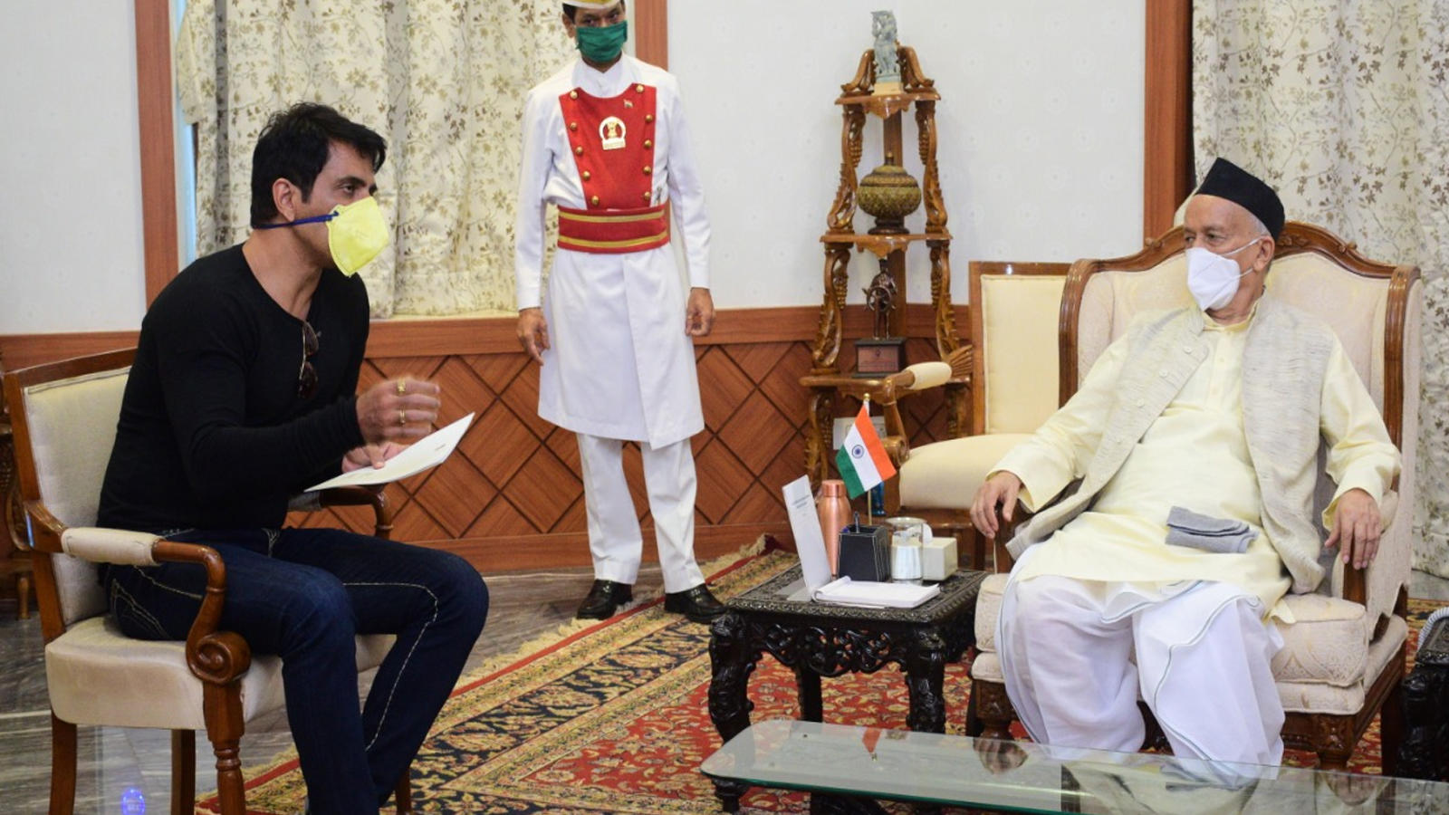 maharashtra-governor-praises-sonu-sood-for-his-comendable-work-during-covid-19-crisis-assures-all-kinds-of-support