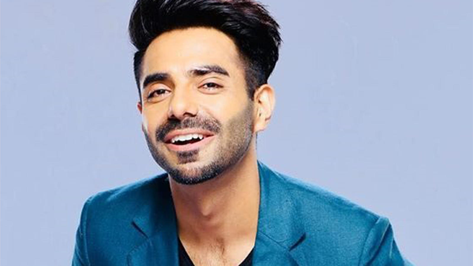 why-aparshakti-khurana-doesnt-want-to-fly-to-chandigarh-right-now