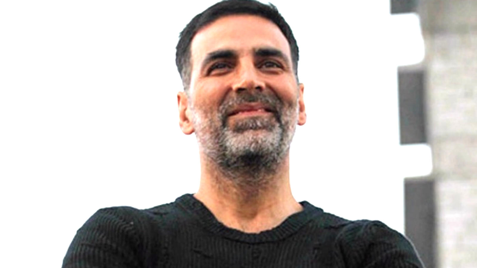 akshay-kumar-slams-reports-of-booking-charter-flight-for-his-sister-plans-legal-action