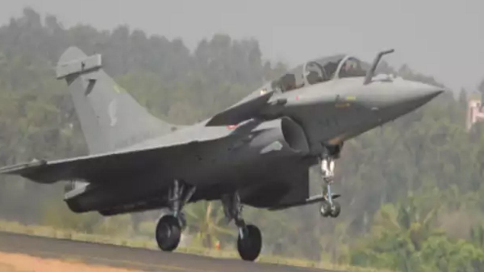 no-delay-in-delivery-of-rafale-aircraft-says-rajnath-singh