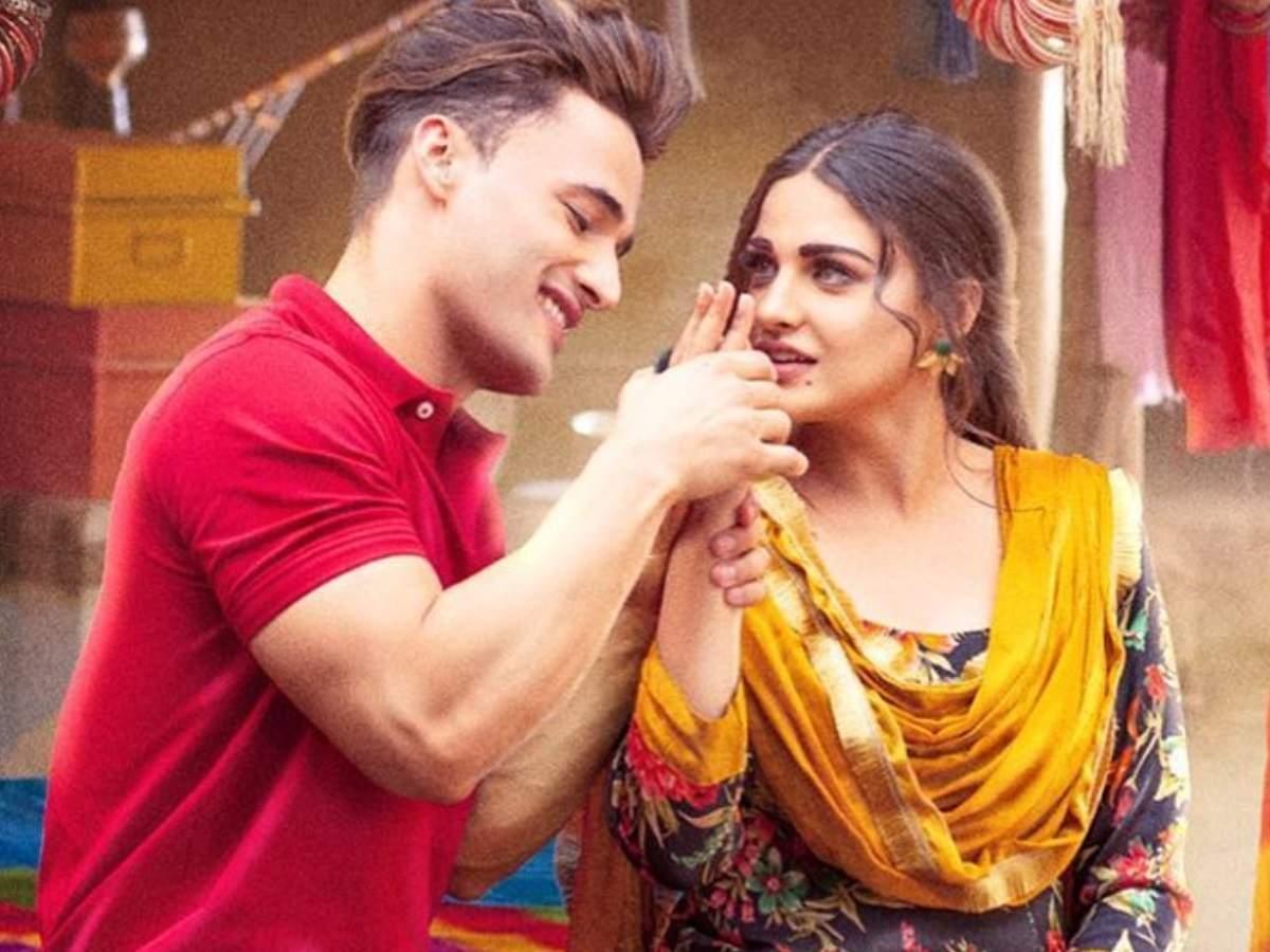 Asim Riaz and Himanshi Khurana Marriage: Asim Riaz went down on his knees to propose Himanshi Khurana during Bigg Boss 13.