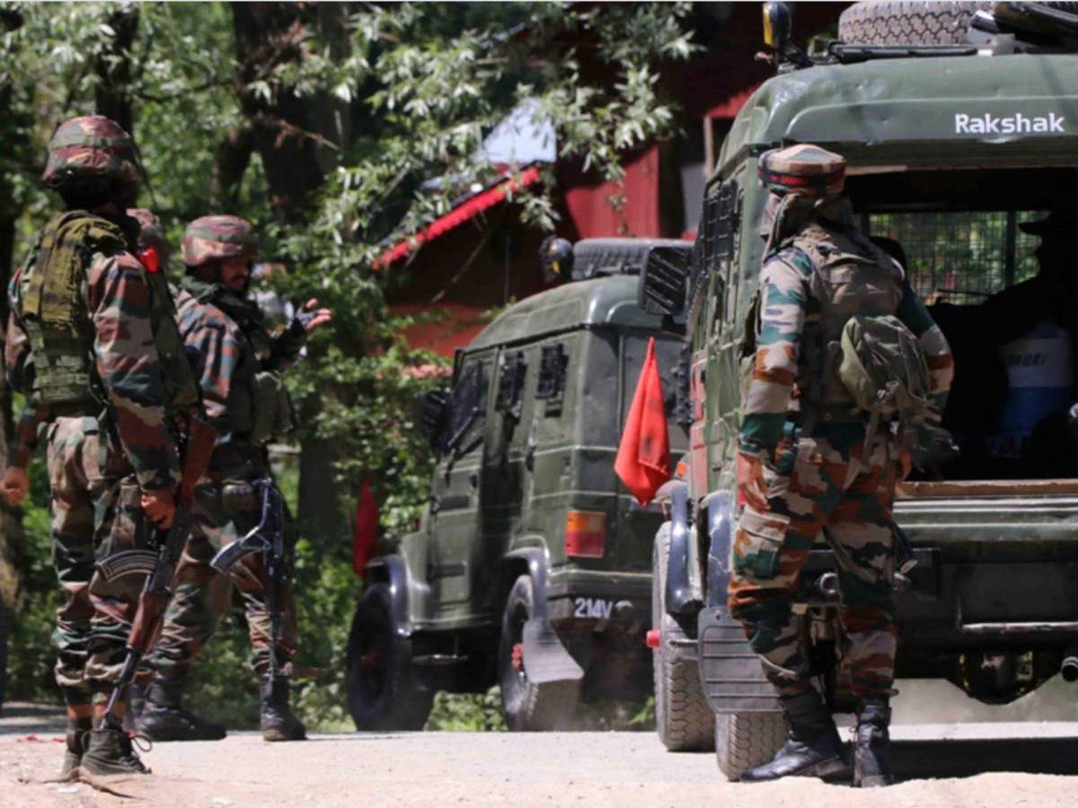 Soldier killed, two injured in Pakistani firing in Poonch | India News -  Times of India