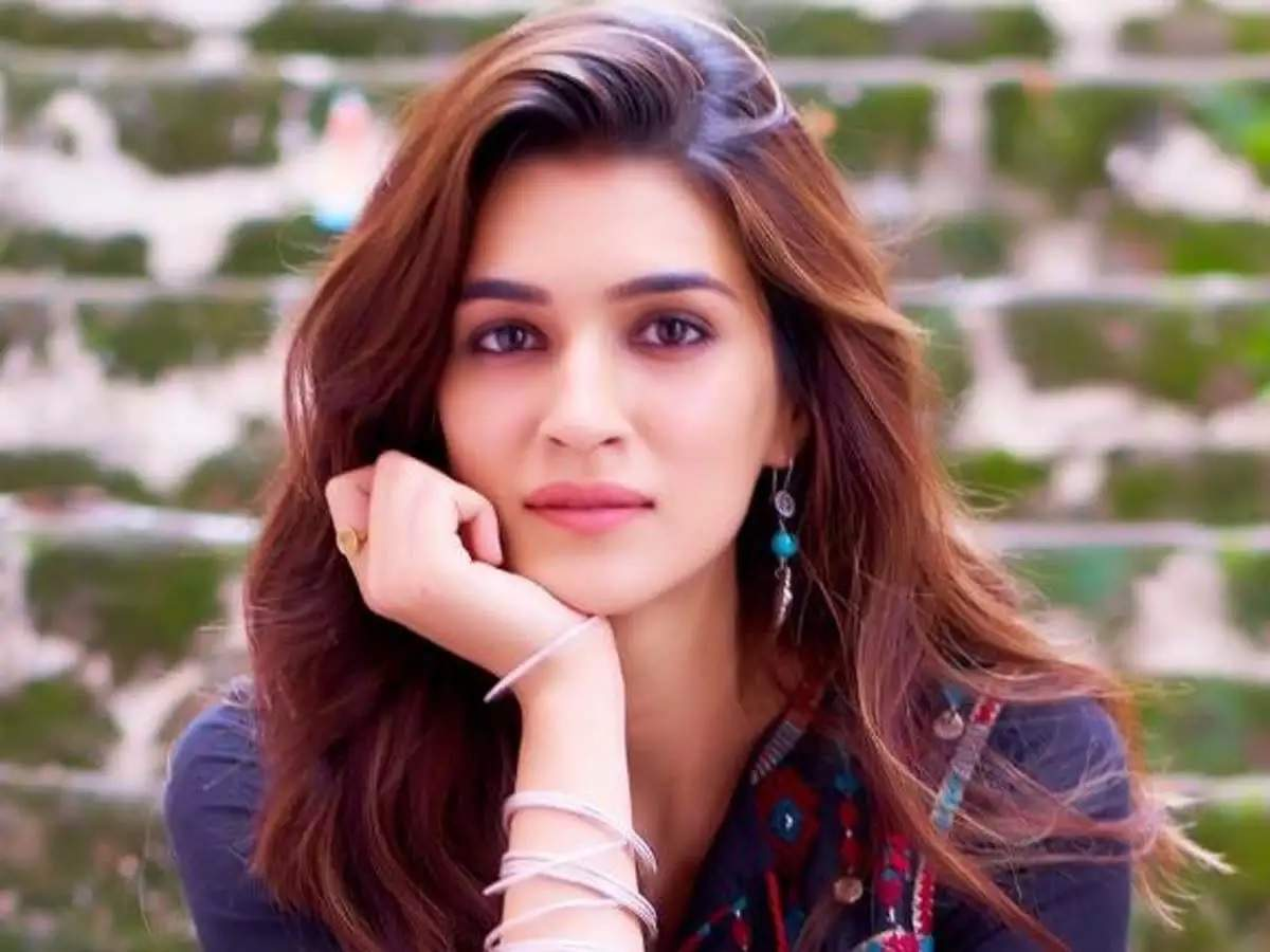 Kriti Sanon shares a screenshot of her throwback tweet; asks 'Can we pls  skip the rest of 2020?' | Hindi Movie News - Times of India