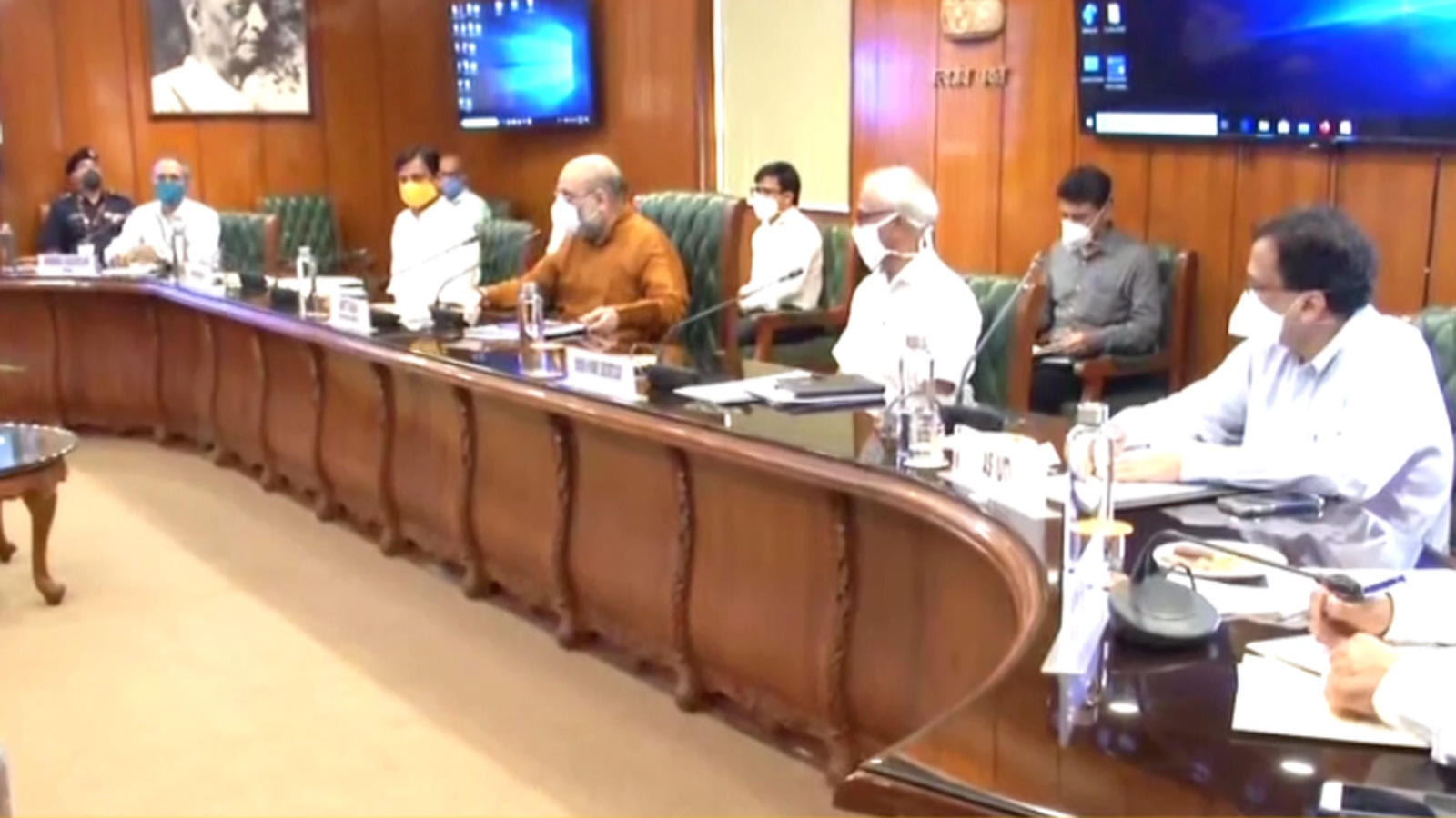 amit-shah-reviews-flood-preparedness-with-ndma-ndrf-officials