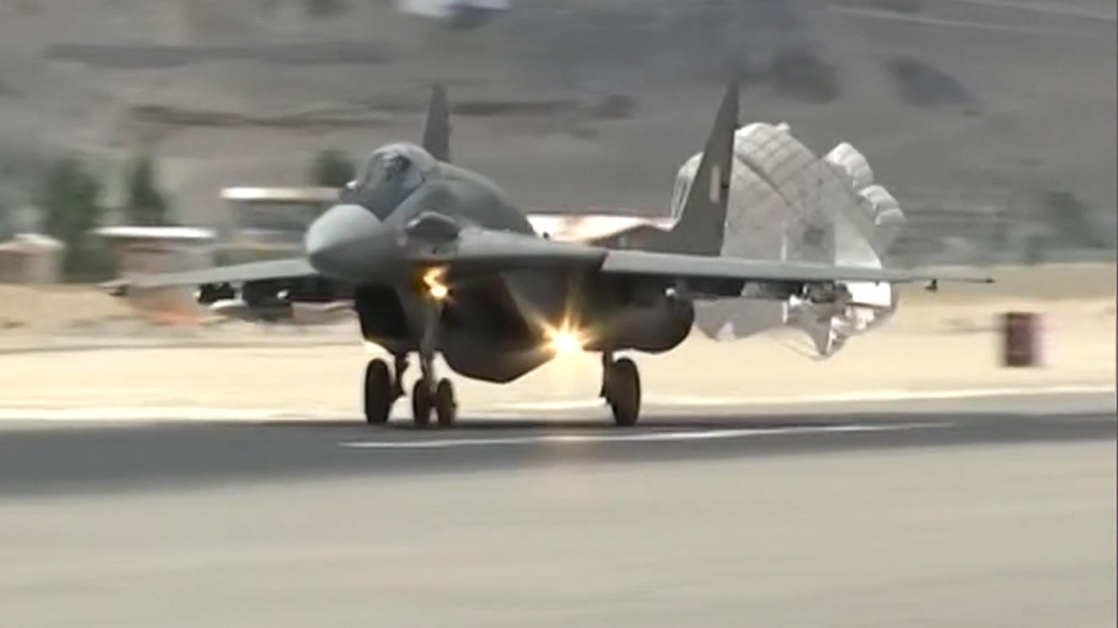 watch-iaf-fighter-aircraft-carries-out-operations-near-india-china-border