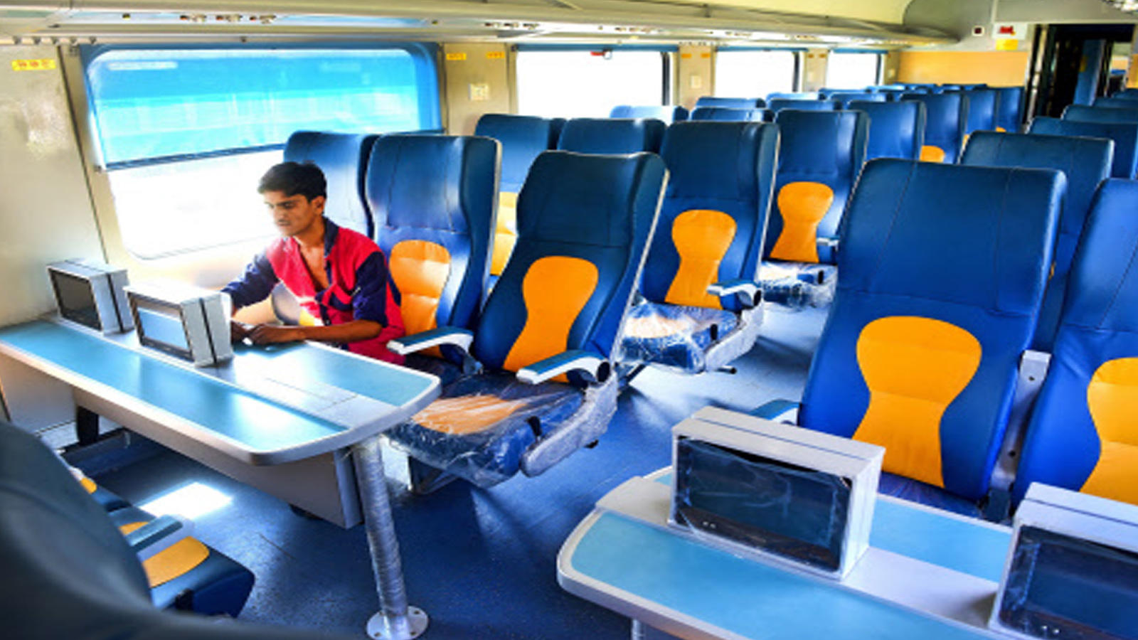 passengers-to-pay-for-preferred-seats-in-private-trains-gross-revenue-to-be-shared-with-railways