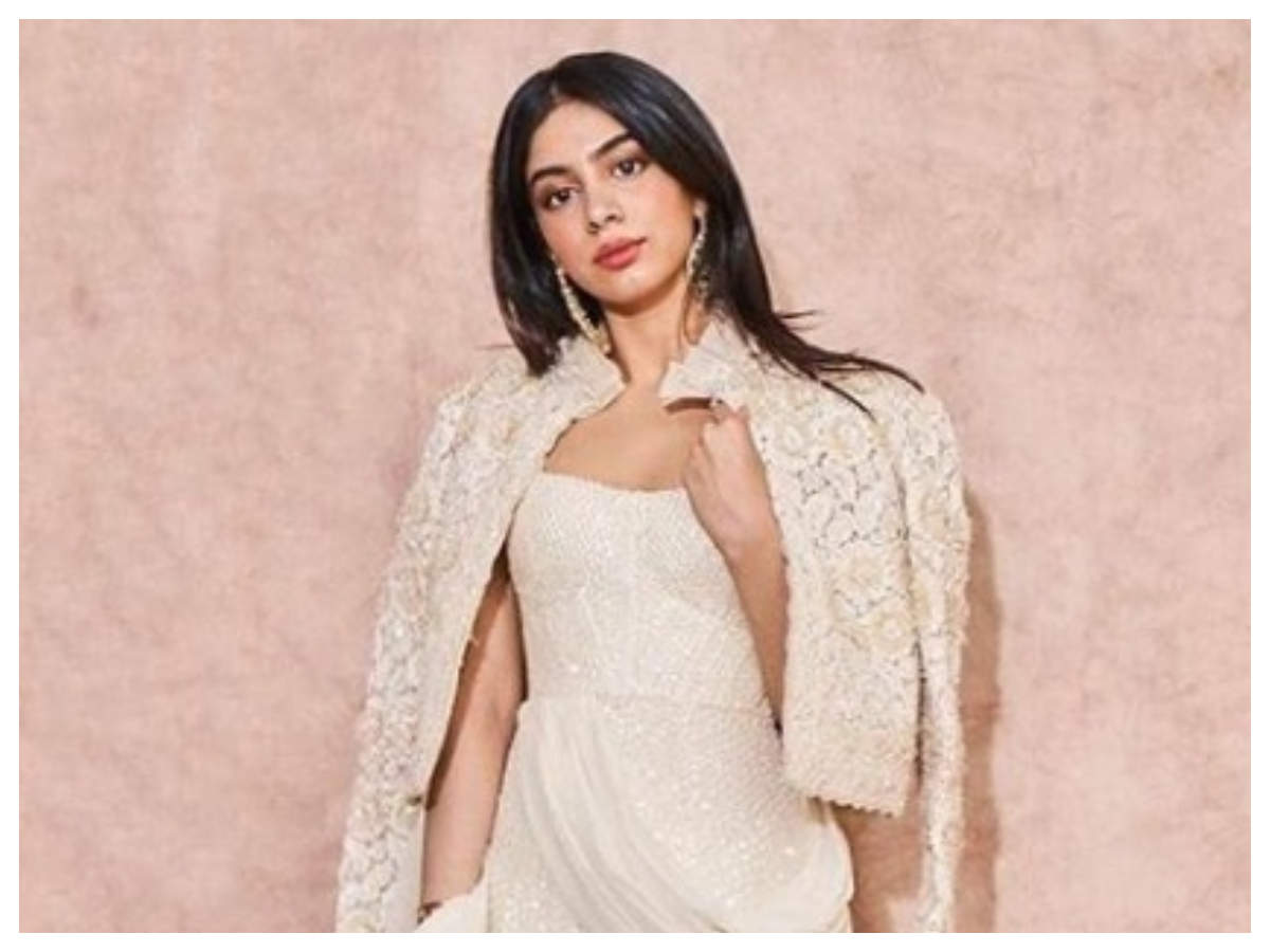 Throwback Thursday: Khushi Kapoor opens up about her acting aspirations,  reveals she wants to work with her family | Hindi Movie News - Times of  India
