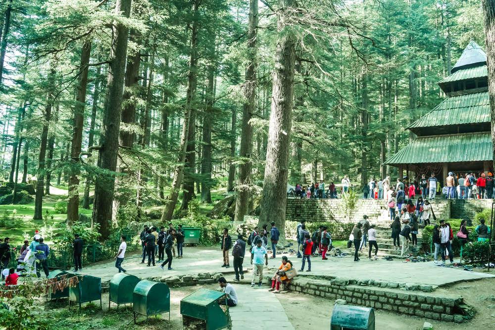 700 tourists visit Himachal Pradesh, tourists banned from visiting Bir Billing